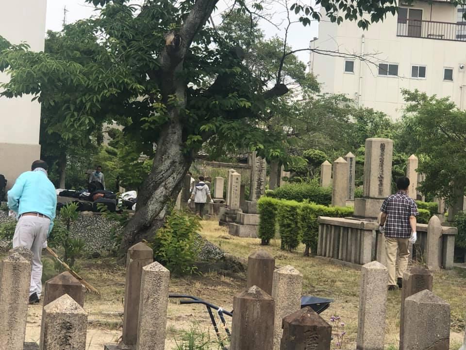 真田山陸軍墓地清掃ボランティア