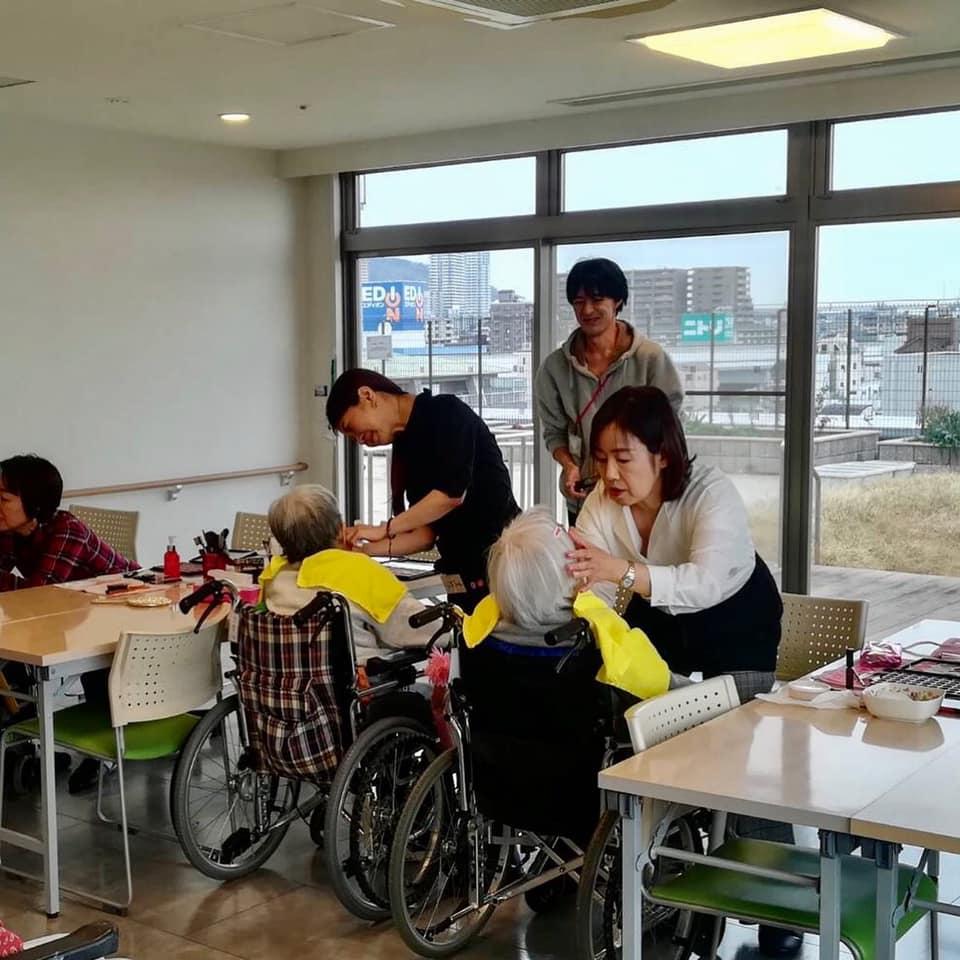 【神戸市の高齢者施設「アネシス御影」訪問美容】